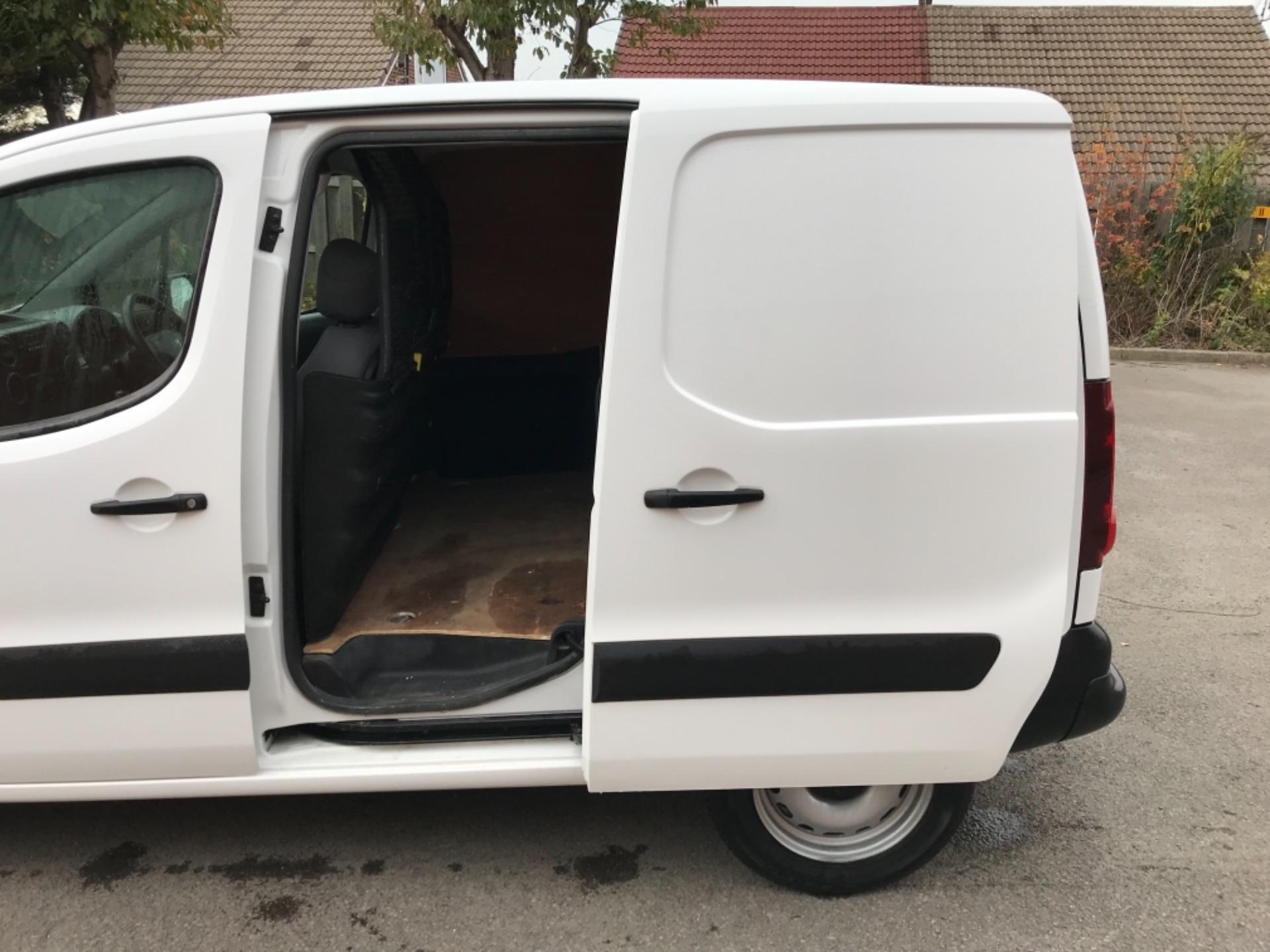 2016 Peugeot Partner 850 S 1.6 Hdi 92 Van [Sld] EURO 5 (NU66VXG) Image 28