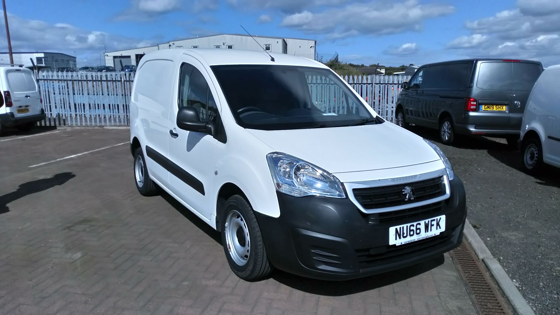 2016 Peugeot Partner 850 S 1.6 Hdi 92 Van [Sld] (NU66WFK)