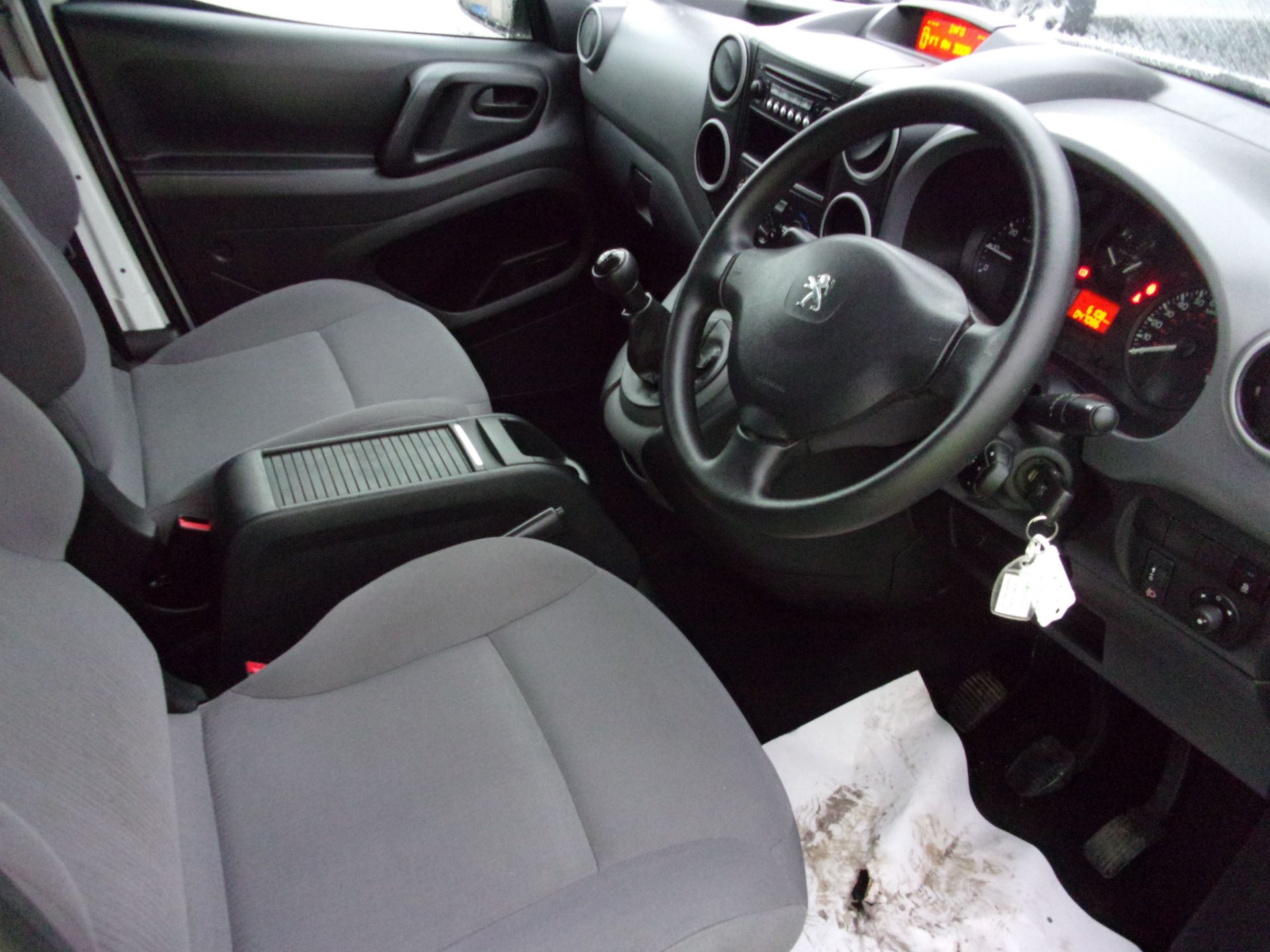 2016 Peugeot Partner L1 850 S 1.6 HDI 92PS (SLD) EURO 5 (NU66WFX) Image 2