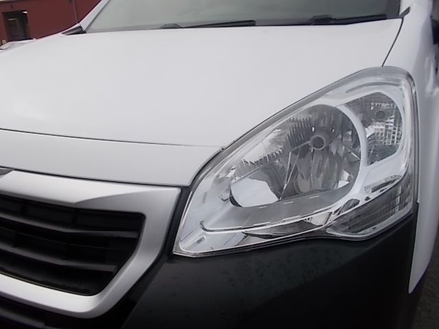2016 Peugeot Partner L1 850 S 1.6 92PS [SLD] EURO 5 (NU66WKO) Image 21