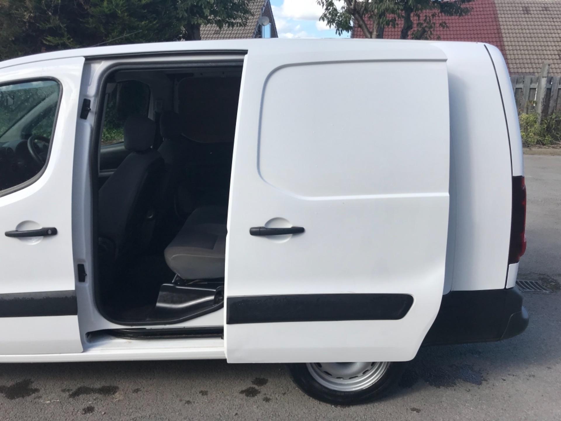 2016 Peugeot Partner 715 S 1.6 Bluehdi 100 Crew Van EURO 6 (NU66WKX) Image 26
