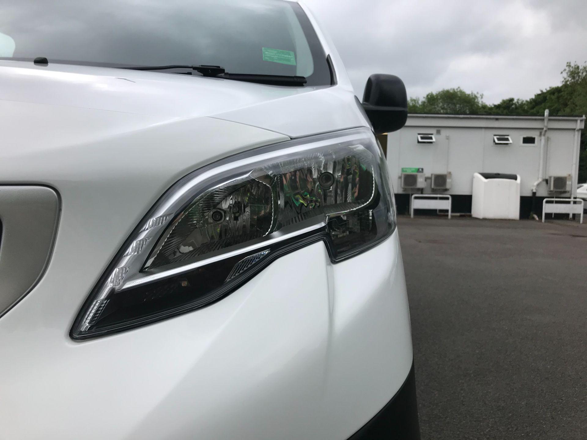 2017 Peugeot Expert  STANDARD 1000 1.6 BLUEHDI 95 S EURO 6 (NU67AUM) Image 13