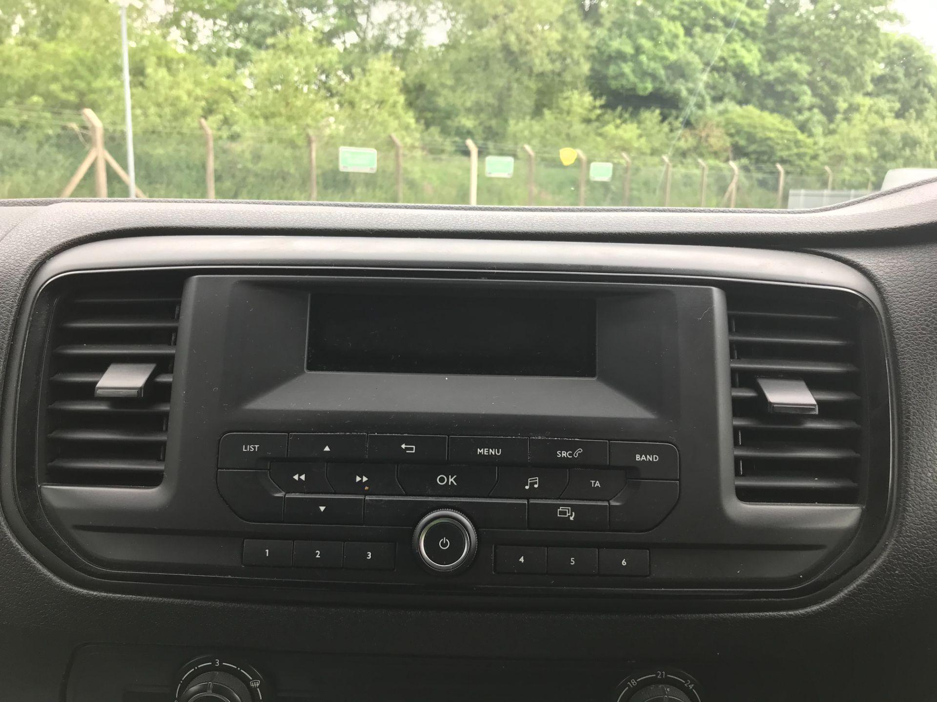 2017 Peugeot Expert  STANDARD 1000 1.6 BLUEHDI 95 S EURO 6 (NU67AUM) Image 21