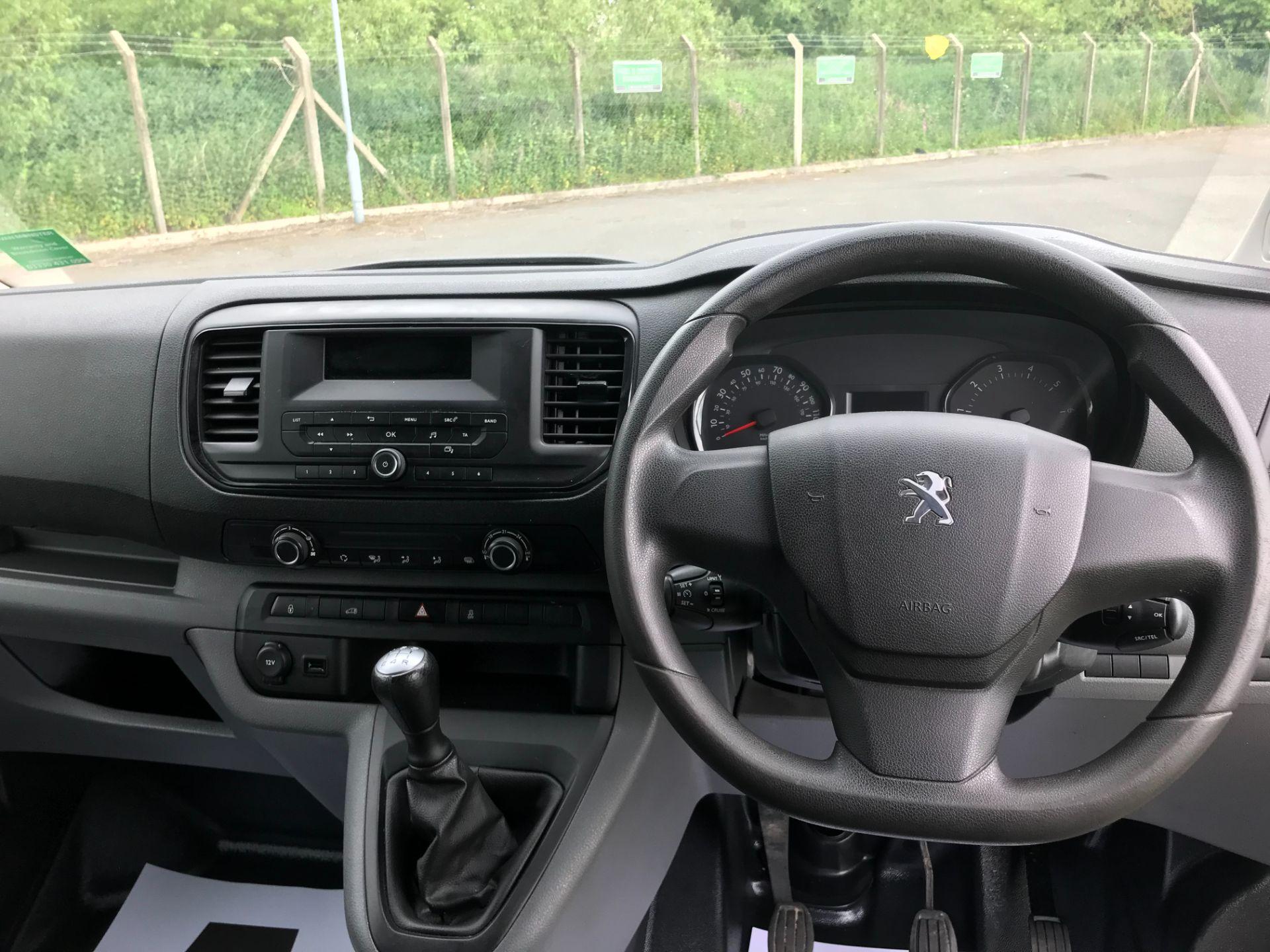 2017 Peugeot Expert  STANDARD 1000 1.6 BLUEHDI 95 S EURO 6 (NU67AUM) Image 19