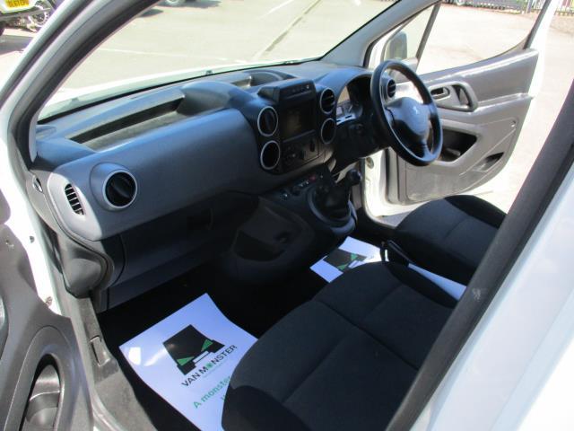 2017 Peugeot Partner L1 850 1.6 BLUEHDI 100 PROFESSIONAL (NON S/S)EURO 6 (NU67AYM) Image 16