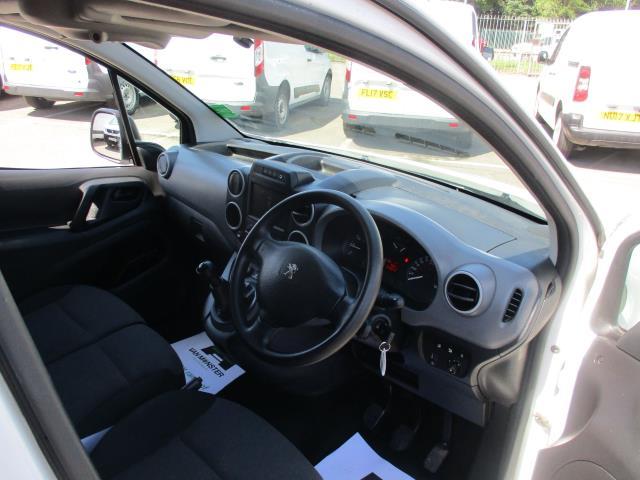 2017 Peugeot Partner L1 850 1.6 BLUEHDI 100 PROFESSIONAL (NON S/S)EURO 6 (NU67AYM) Image 11
