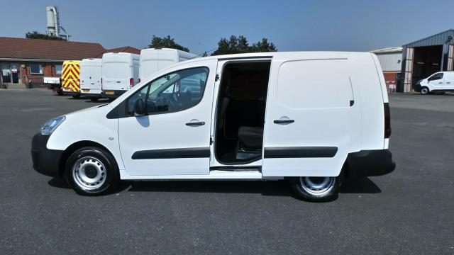 2017 Peugeot Partner 715 S 1.6 Bluehdi 100 Crew Van (NU67BWY) Image 9