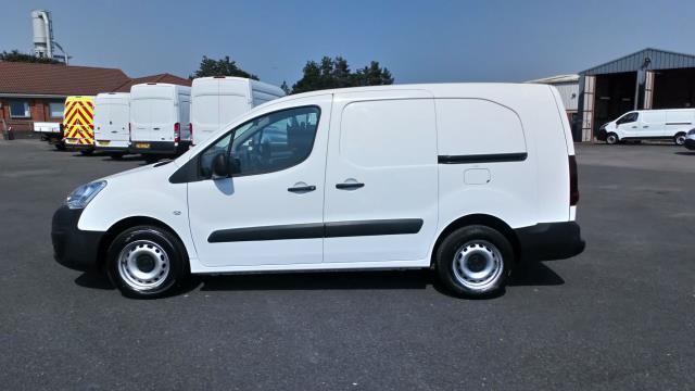 2017 Peugeot Partner 715 S 1.6 Bluehdi 100 Crew Van (NU67BWY) Image 4