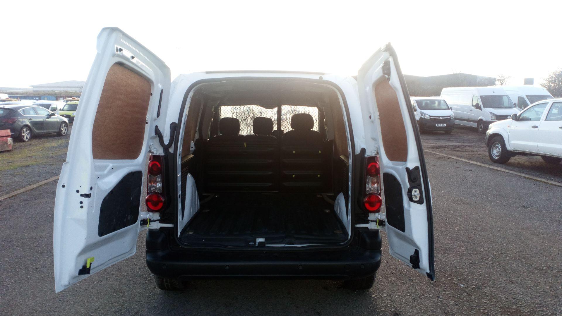2017 Peugeot Partner 850 1.6 Bluehdi 100 Professional Van [Non Ss] (NU67DSE) Image 17