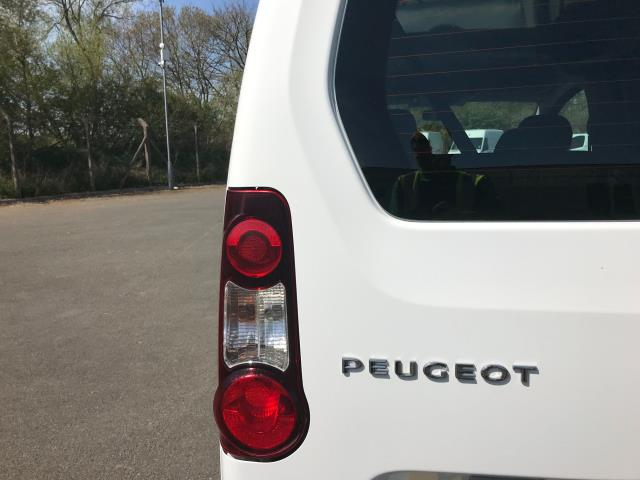 2017 Peugeot Partner L1 850 1.6 BLUEHDI 100 PROFESSIONAL (NON S/S)EURO 6 (NU67DUA) Image 16