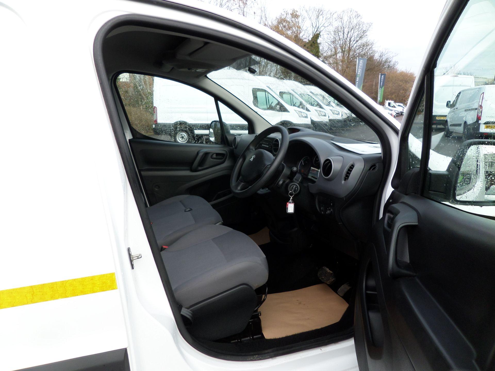 2017 Peugeot Partner 636 Se 67 Van Auto ( Pure Electric) (NU67HHY) Image 11