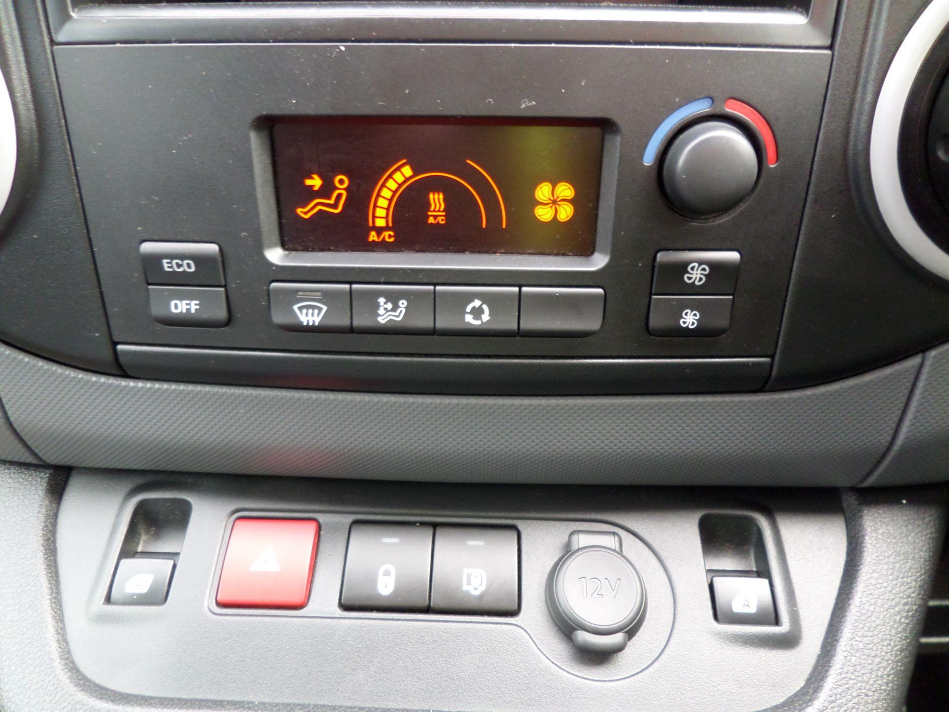 2017 Peugeot Partner 636 Se 67 Van Auto ( Pure Electric) (NU67HHY) Image 16