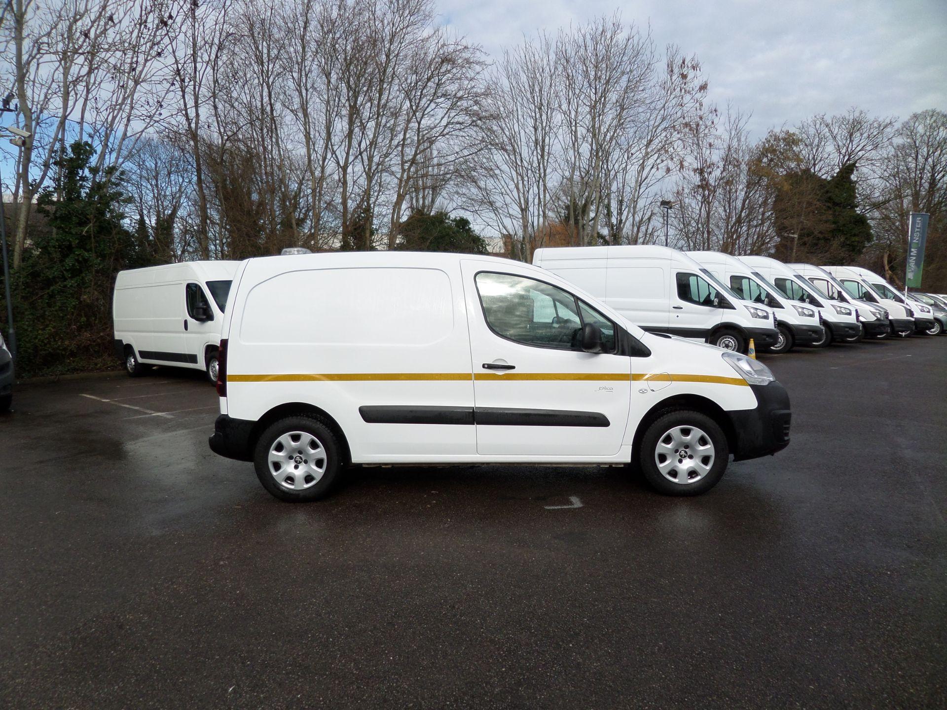 2017 Peugeot Partner 636 Se 67 Van Auto ( Pure Electric) (NU67HHY) Image 2