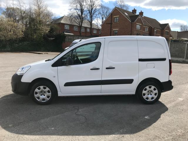 2017 Peugeot Partner 850 1.6 Bluehdi 100 Professional Van [Non Ss] Euro 6 (Speed Limited To 70MPH) (NU67LLN) Image 4