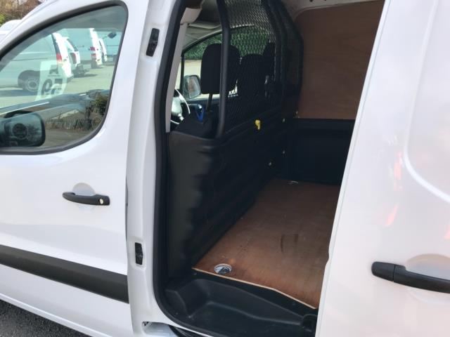 2017 Peugeot Partner 850 1.6 Bluehdi 100 Professional Van [Non Ss] Euro 6 (Speed Limited To 70MPH) (NU67LLN) Image 30