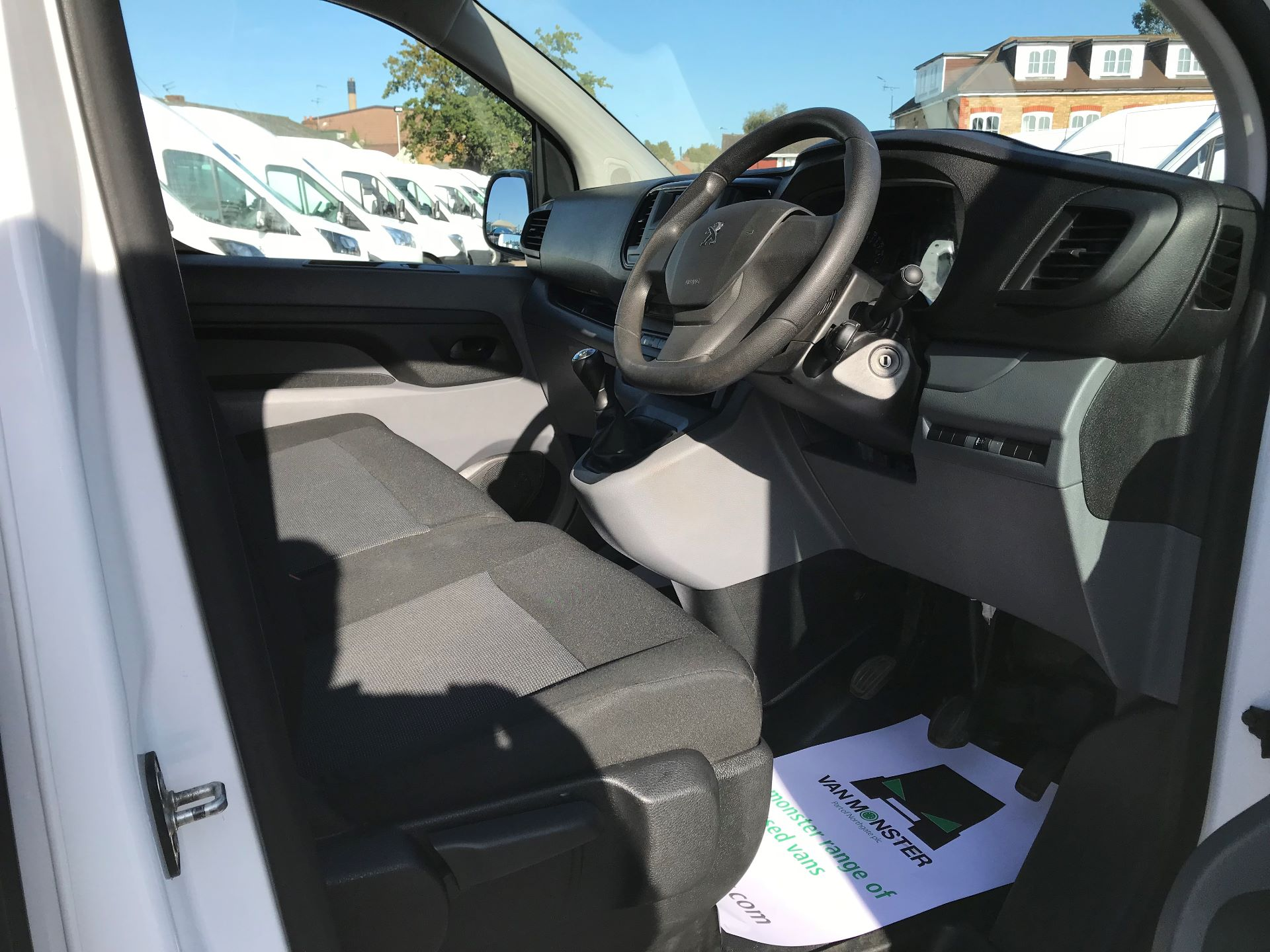 2017 Peugeot Expert STANDARD 1000 1.6 BLUEHDI 95 EURO 6 (NU67LXY) Image 20