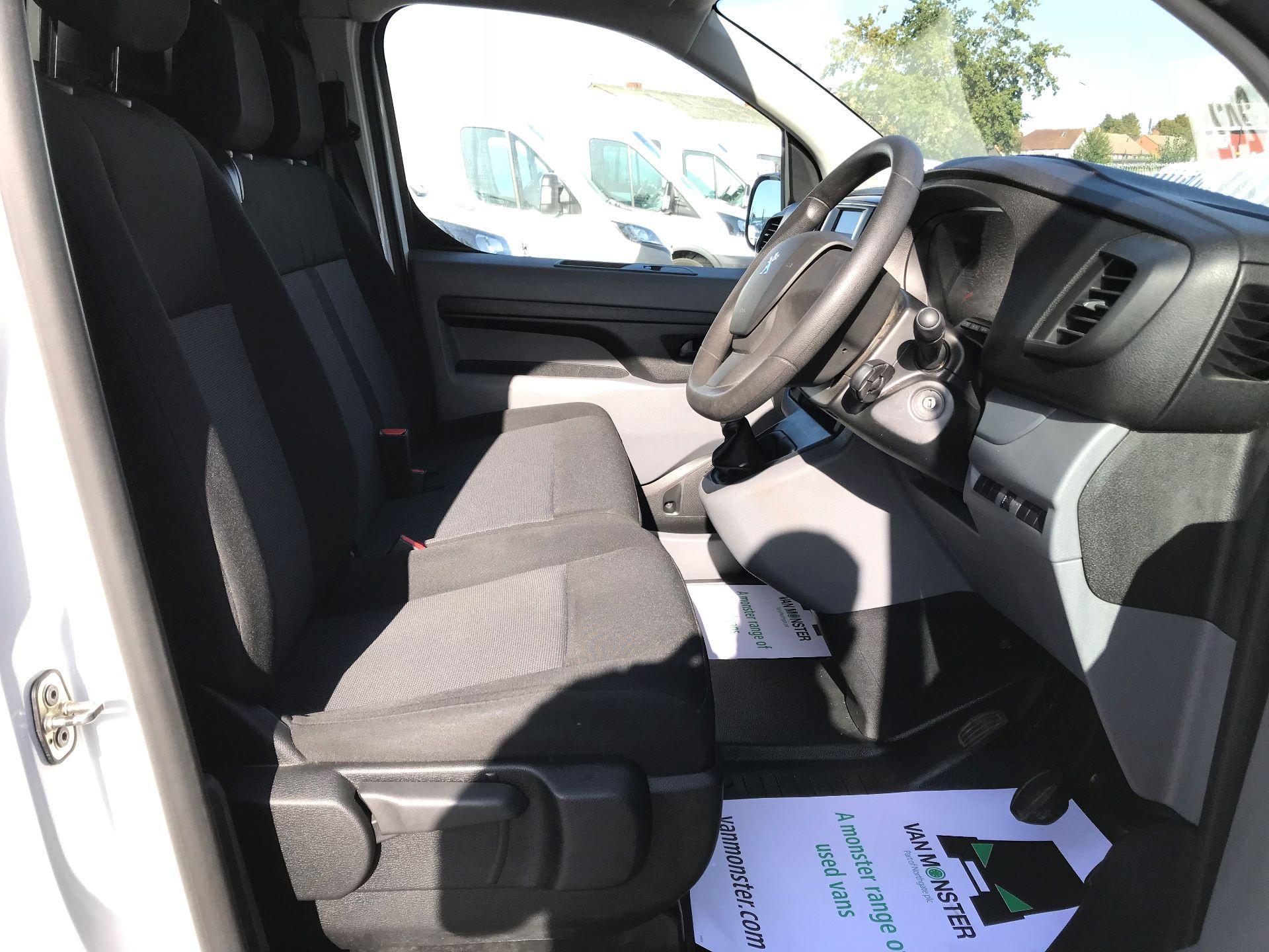 2017 Peugeot Expert STANDARD 1000 1.6 BLUEHDI 95 EURO 6 (NU67LXY) Image 21