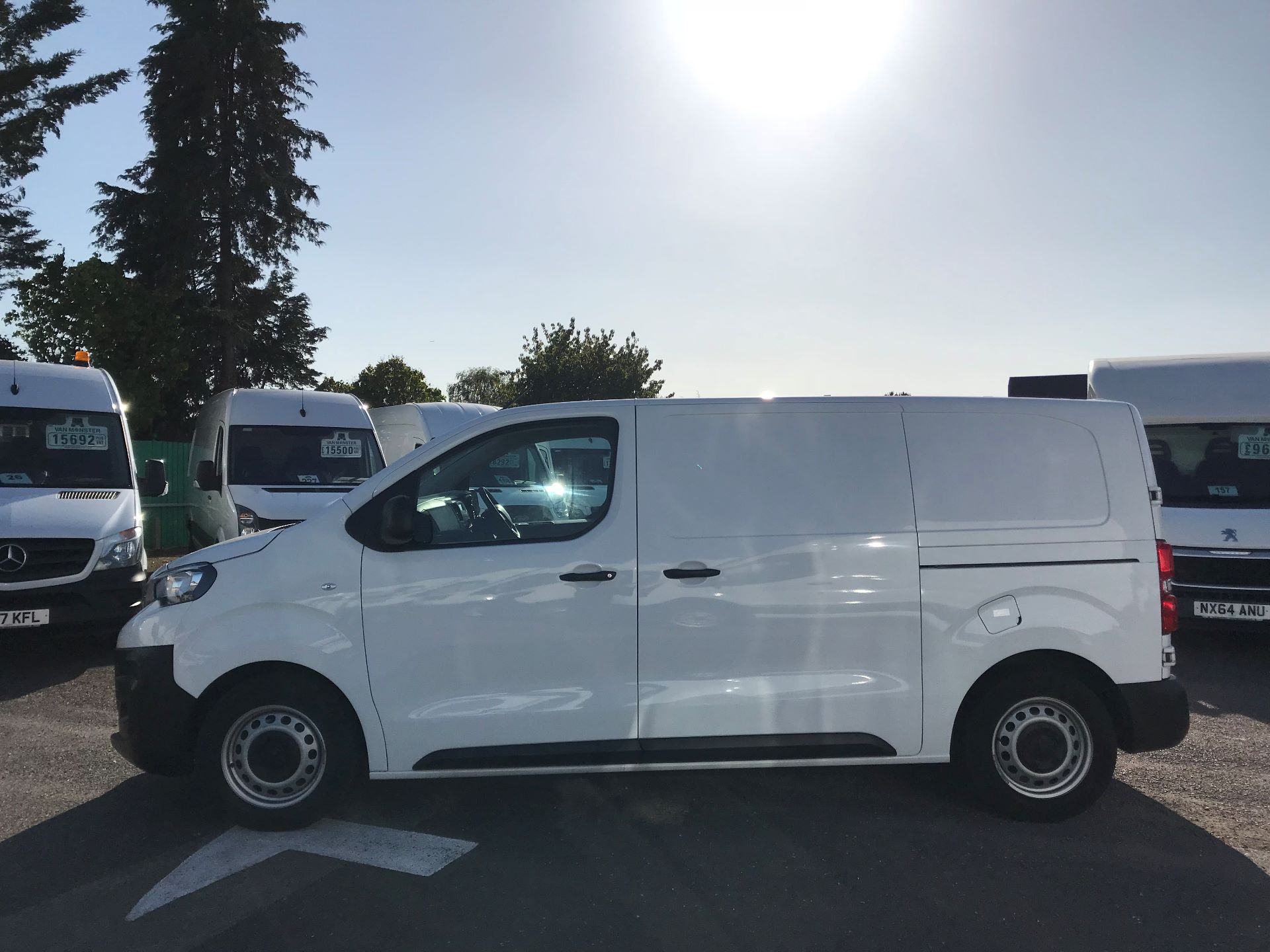 2017 Peugeot Expert STANDARD 1000 1.6 BLUEHDI 95 EURO 6 (NU67LXY) Image 10