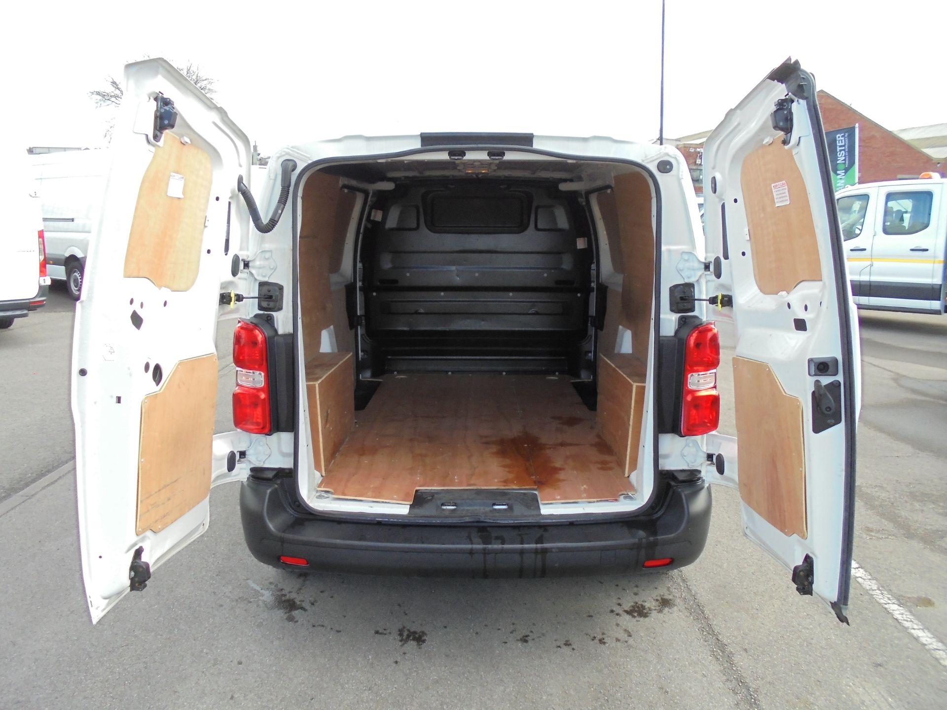 2017 Peugeot Expert 1000 1.6 Bluehdi 95 S Van (NU67MBF) Image 29