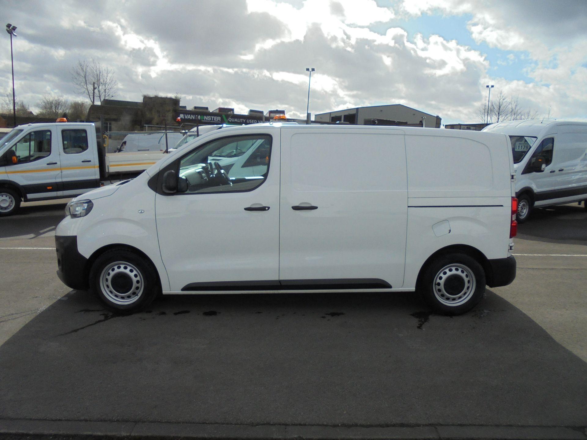 2017 Peugeot Expert 1000 1.6 Bluehdi 95 S Van (NU67MBF) Image 4