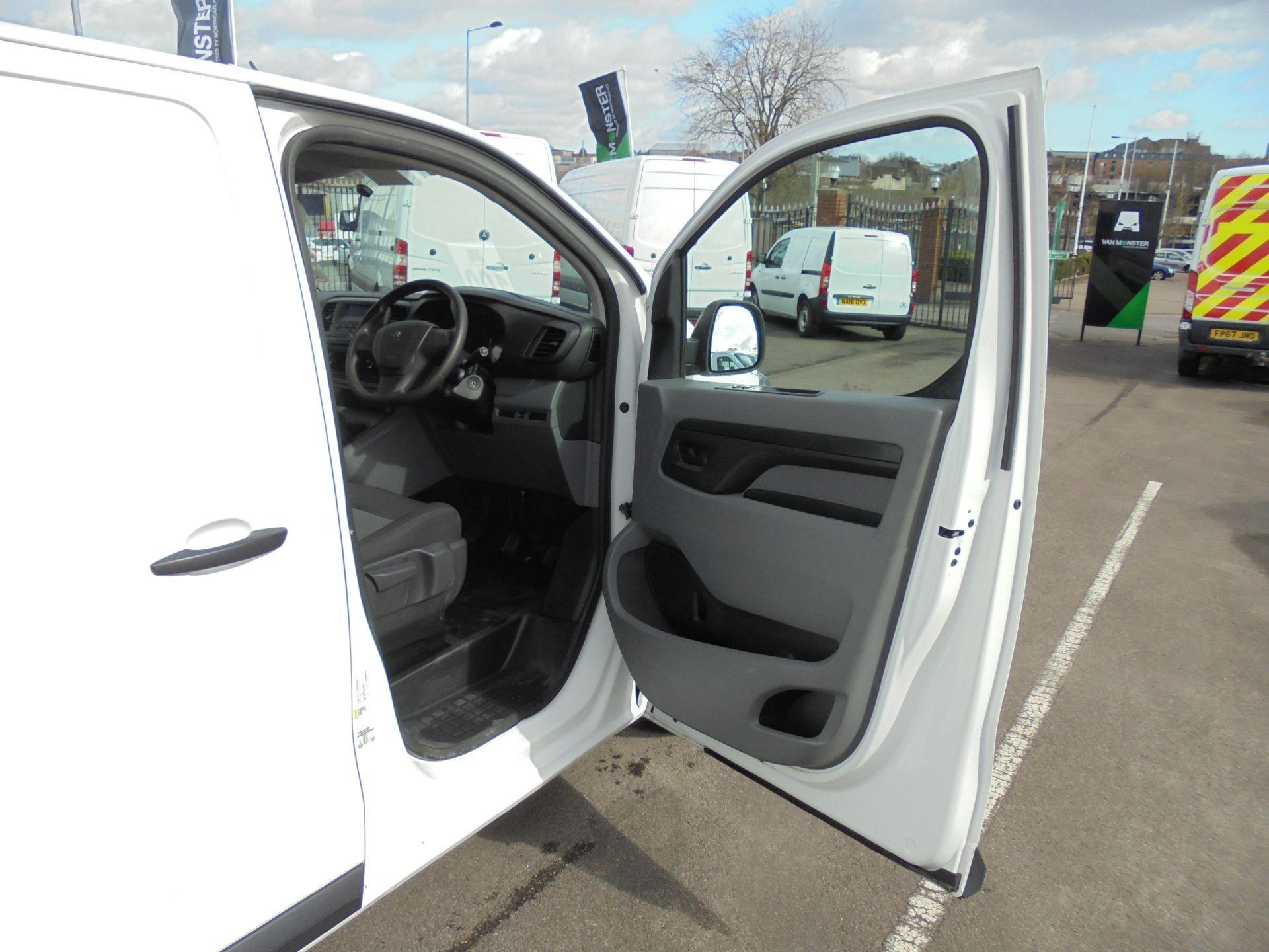 2017 Peugeot Expert 1000 1.6 Bluehdi 95 S Van (NU67MBF) Image 10