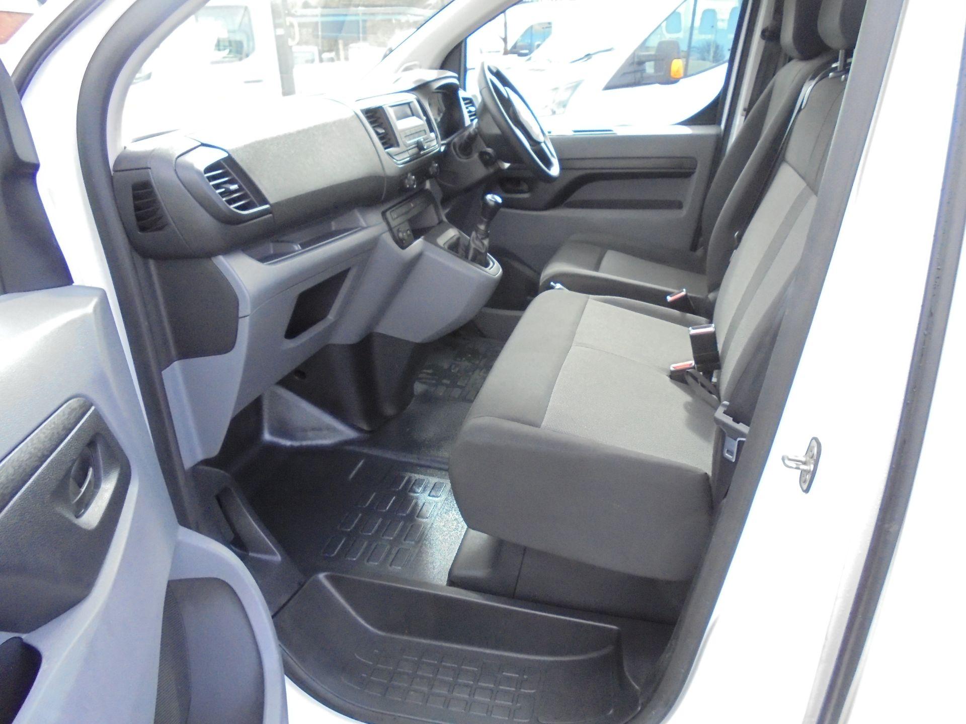 2017 Peugeot Expert 1000 1.6 Bluehdi 95 S Van (NU67MBF) Image 24