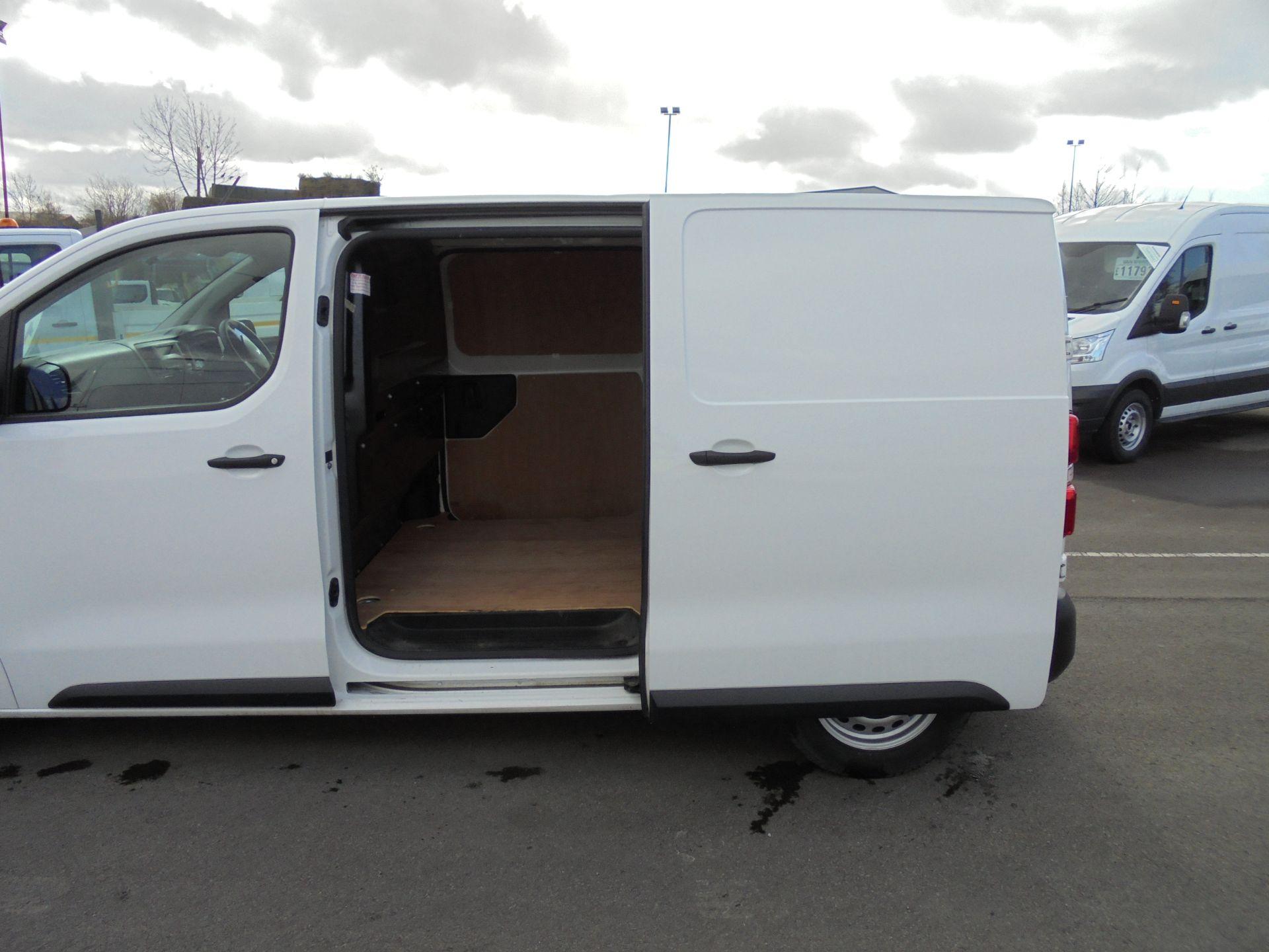 2017 Peugeot Expert 1000 1.6 Bluehdi 95 S Van (NU67MBF) Image 25