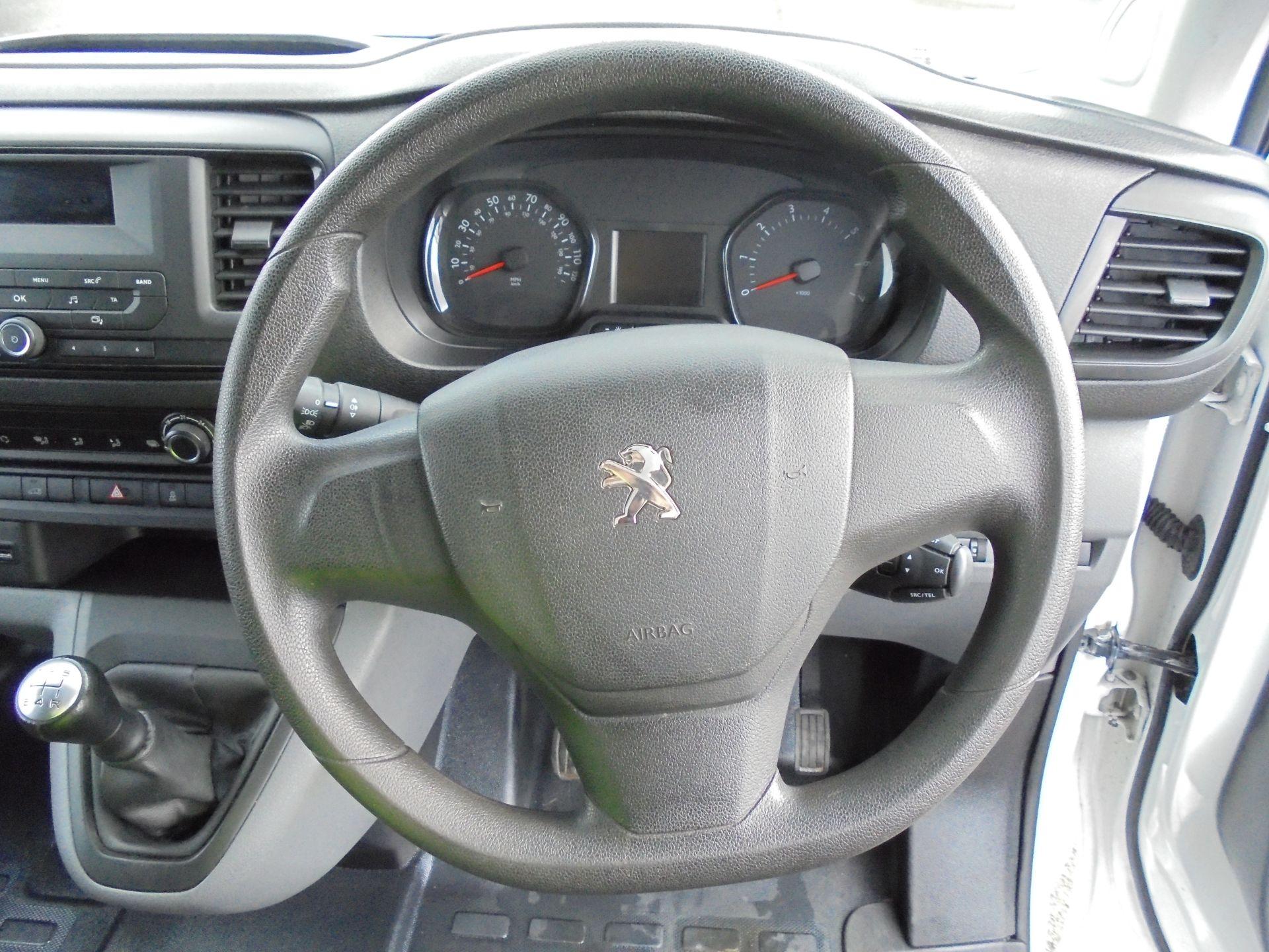 2017 Peugeot Expert 1000 1.6 Bluehdi 95 S Van (NU67MBF) Image 13