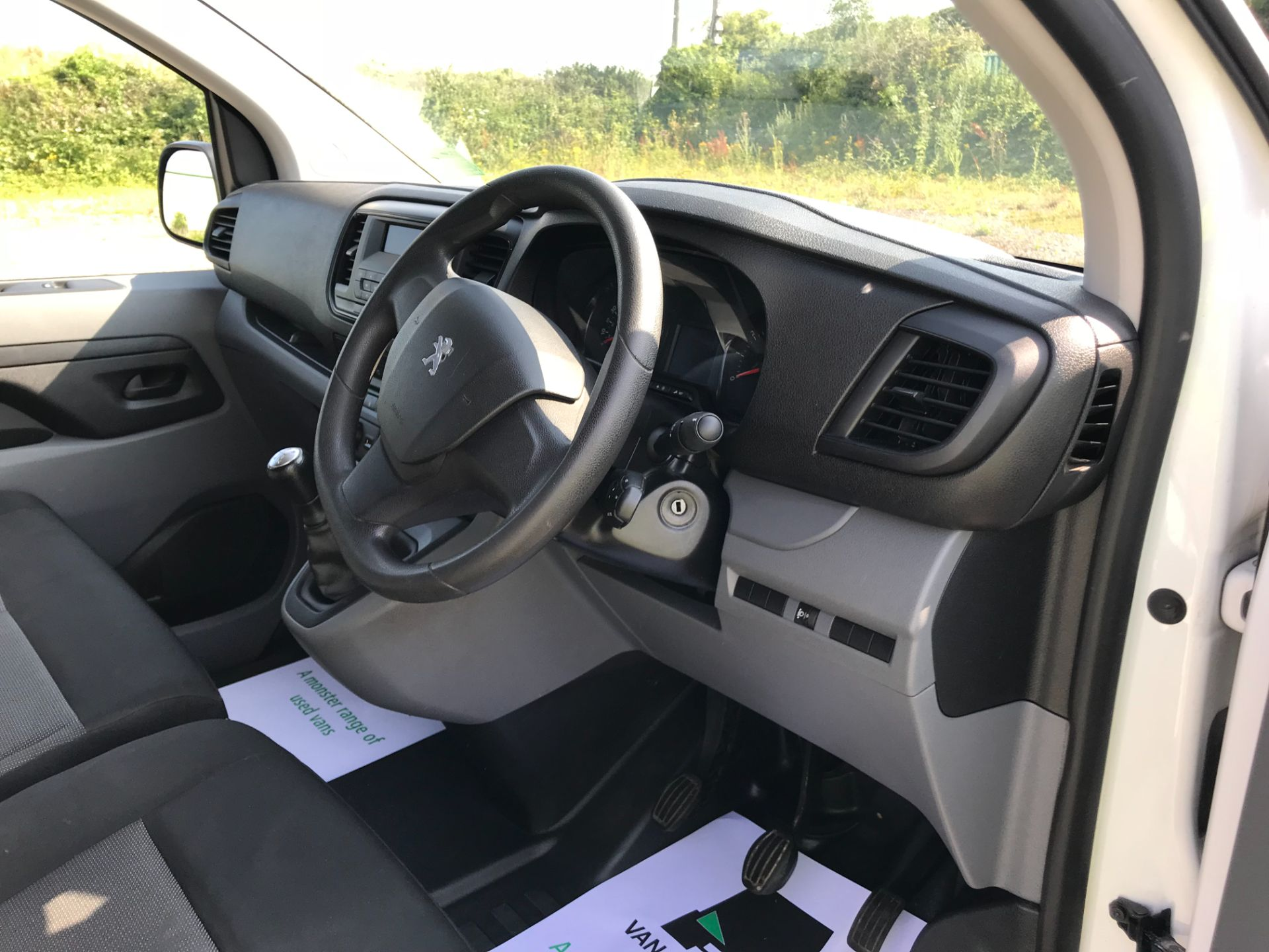2017 Peugeot Expert  STANDARD 1000 1.6 BLUEHDI 95 S EURO 6 (NU67MFK) Image 25