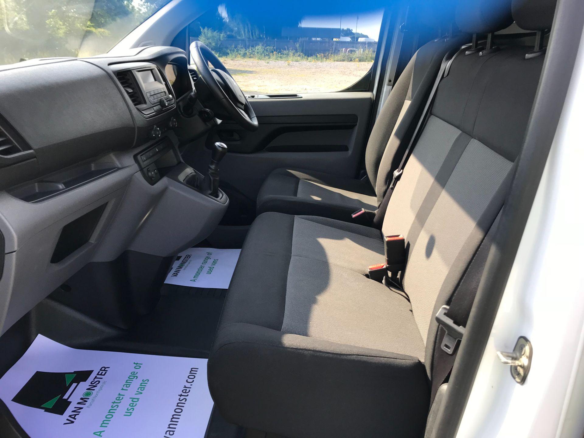 2017 Peugeot Expert  STANDARD 1000 1.6 BLUEHDI 95 S EURO 6 (NU67MFK) Image 24