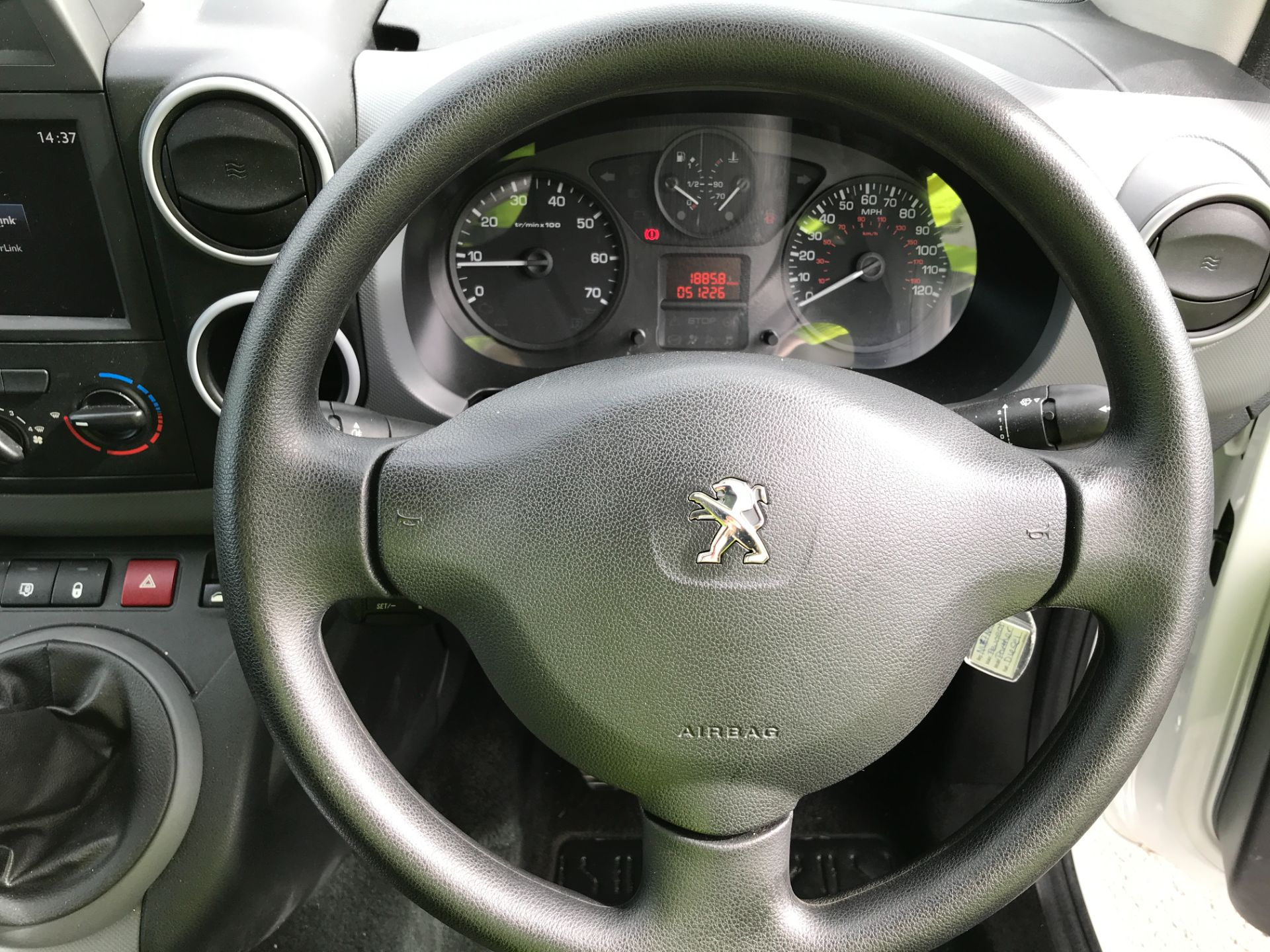 2017 Peugeot Partner L1 850 1.6BLUEHDI 100PS PROFESSIONAL EURO 6 (NU67NAO) Image 5