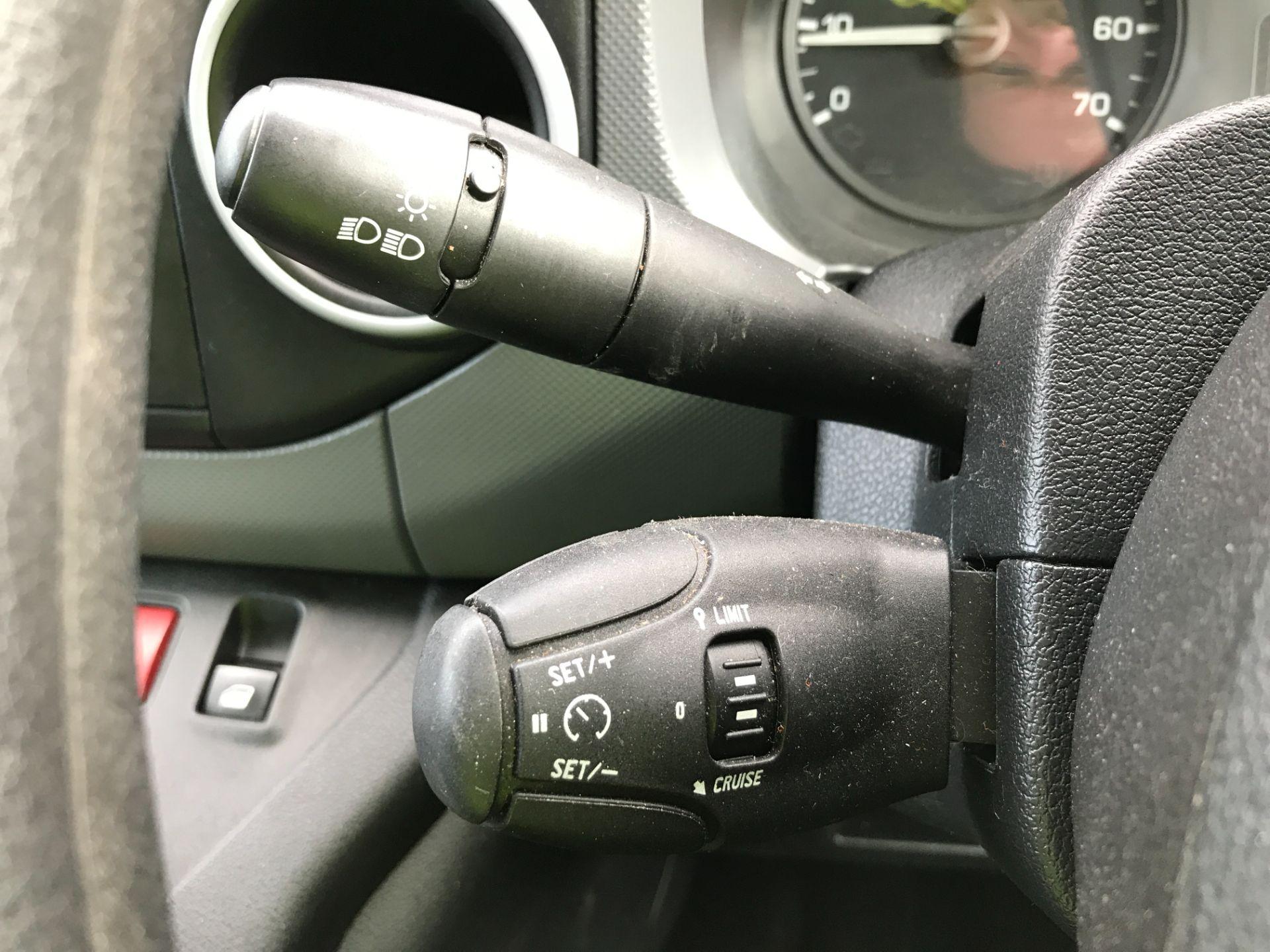 2017 Peugeot Partner L1 850 1.6BLUEHDI 100PS PROFESSIONAL EURO 6 (NU67NAO) Image 24