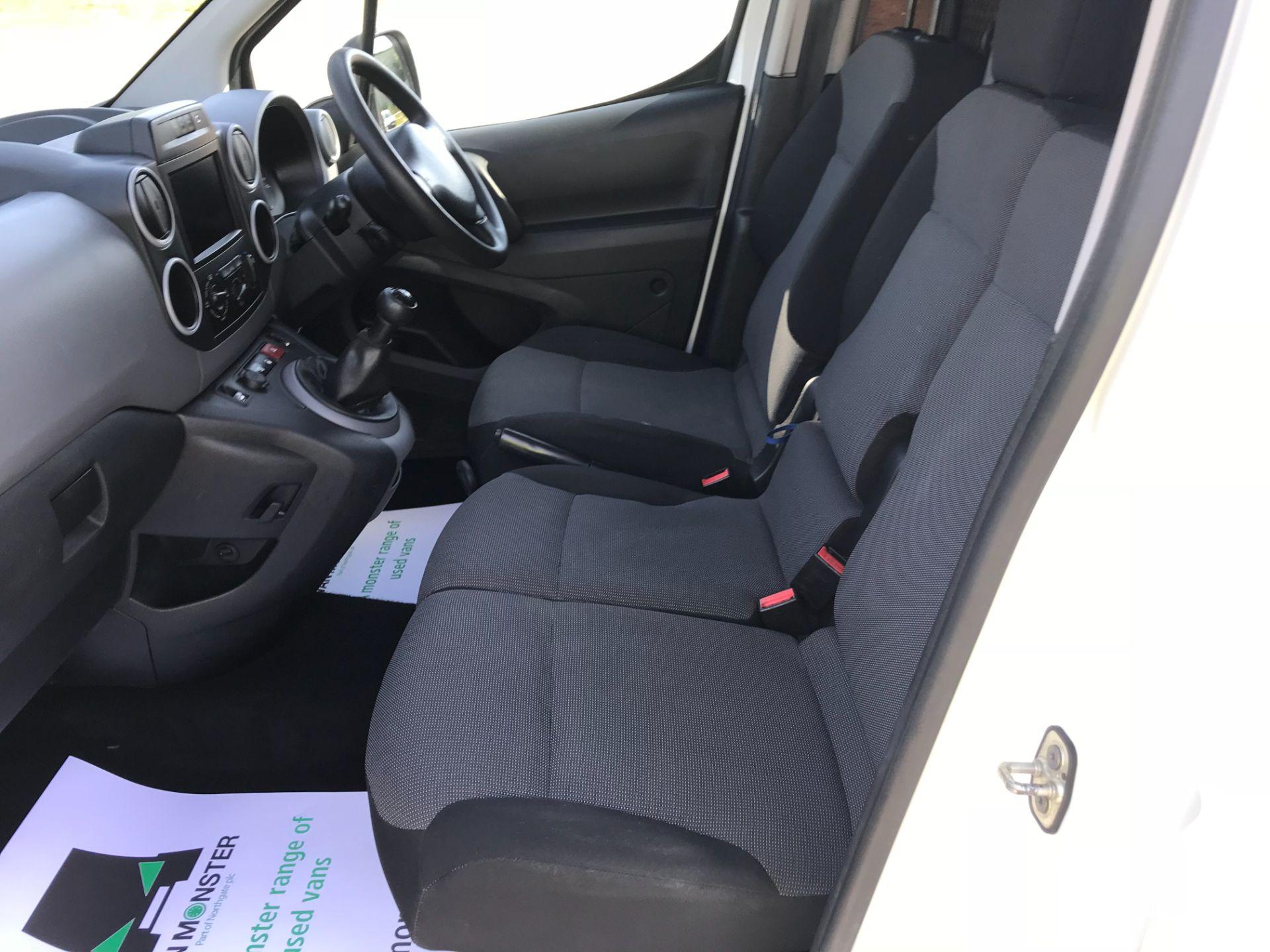 2017 Peugeot Partner 850 1.6 Bluehdi 100 Professional Van [Non Ss] EURO 6 (NU67NNR) Image 26