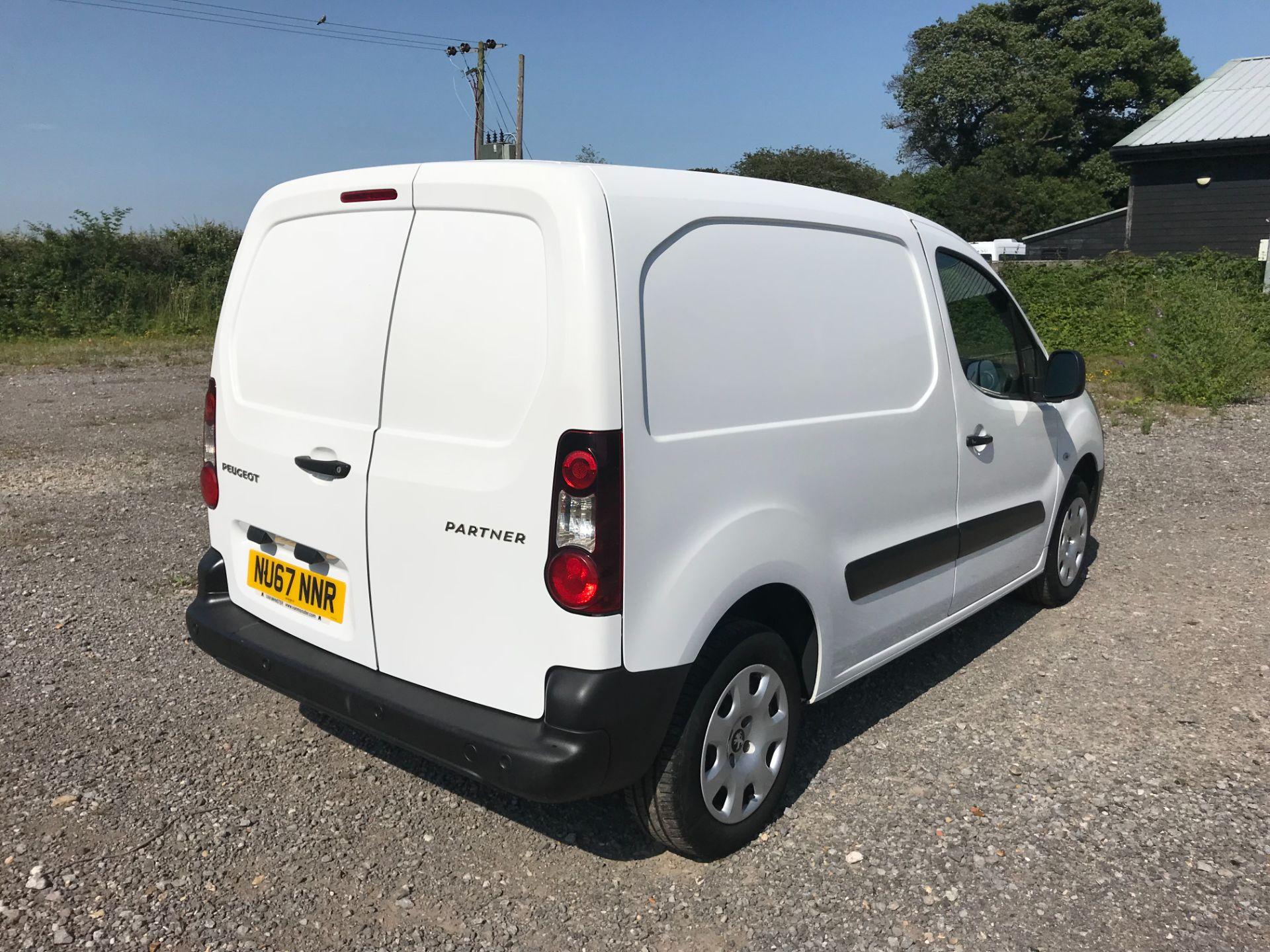 2017 Peugeot Partner 850 1.6 Bluehdi 100 Professional Van [Non Ss] EURO 6 (NU67NNR) Image 4