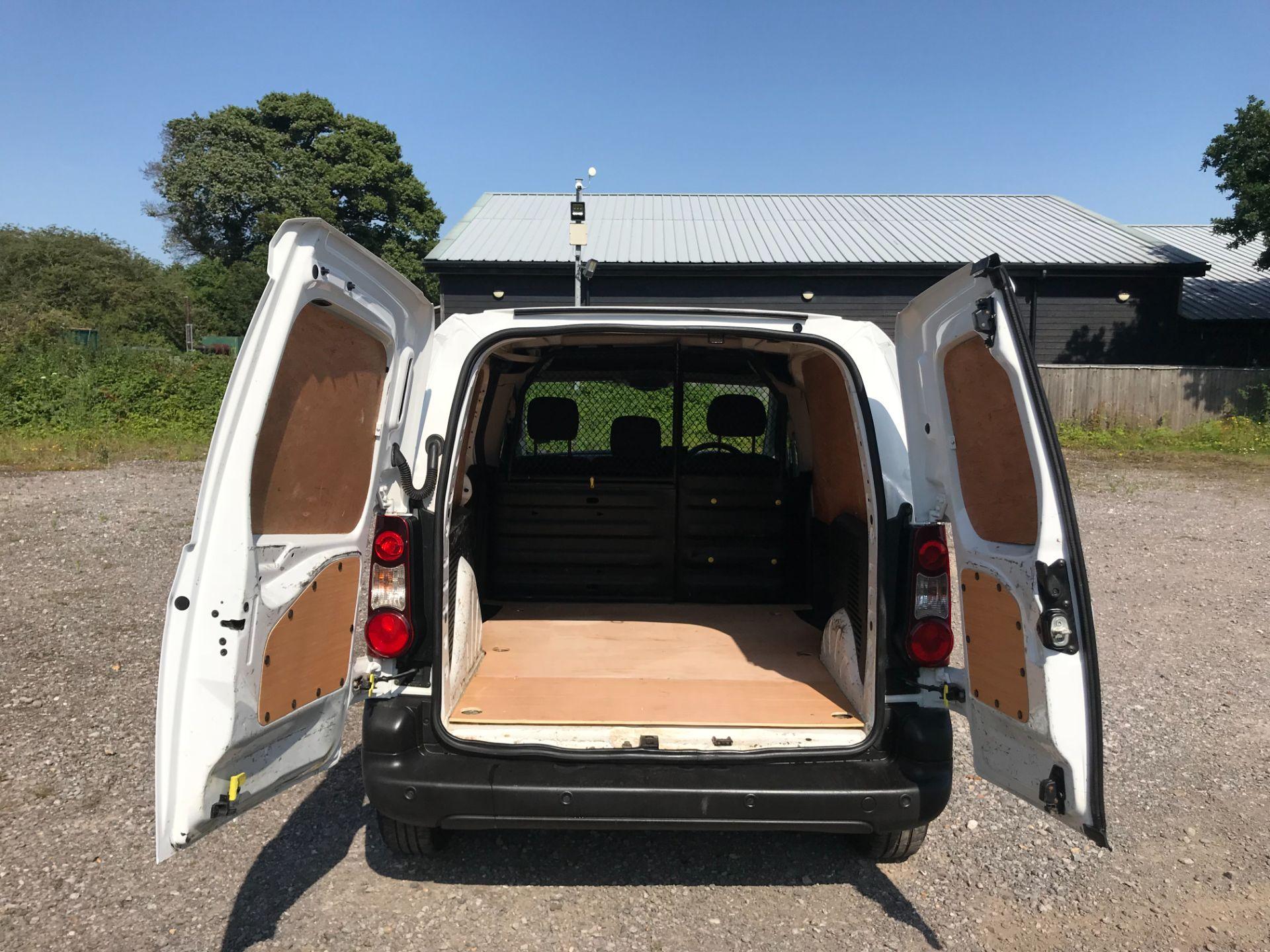 2017 Peugeot Partner 850 1.6 Bluehdi 100 Professional Van [Non Ss] EURO 6 (NU67NNR) Image 10
