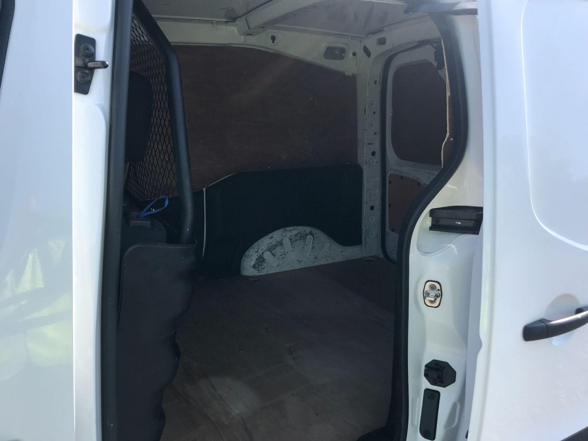 2017 Peugeot Partner 850 1.6 Bluehdi 100 Professional Van [Non Ss] EURO 6 (NU67NNR) Image 9