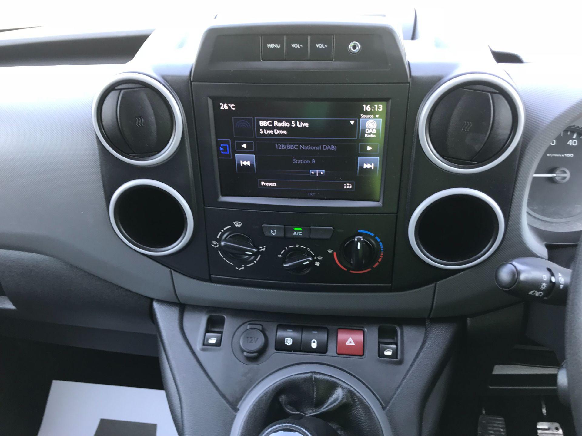 2017 Peugeot Partner 850 1.6 Bluehdi 100 Professional Van [Non Ss] EURO 6 (NU67NNR) Image 31