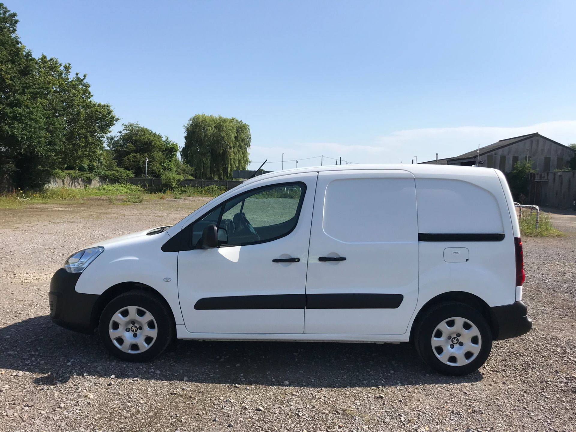 2017 Peugeot Partner 850 1.6 Bluehdi 100 Professional Van [Non Ss] EURO 6 (NU67NNR) Image 8