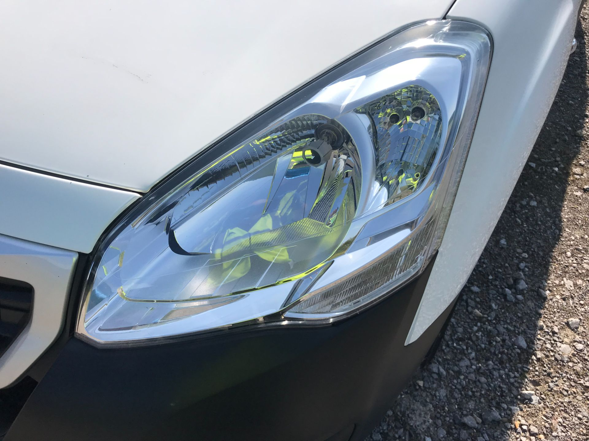 2017 Peugeot Partner 850 1.6 Bluehdi 100 Professional Van [Non Ss] EURO 6 (NU67NNR) Image 46