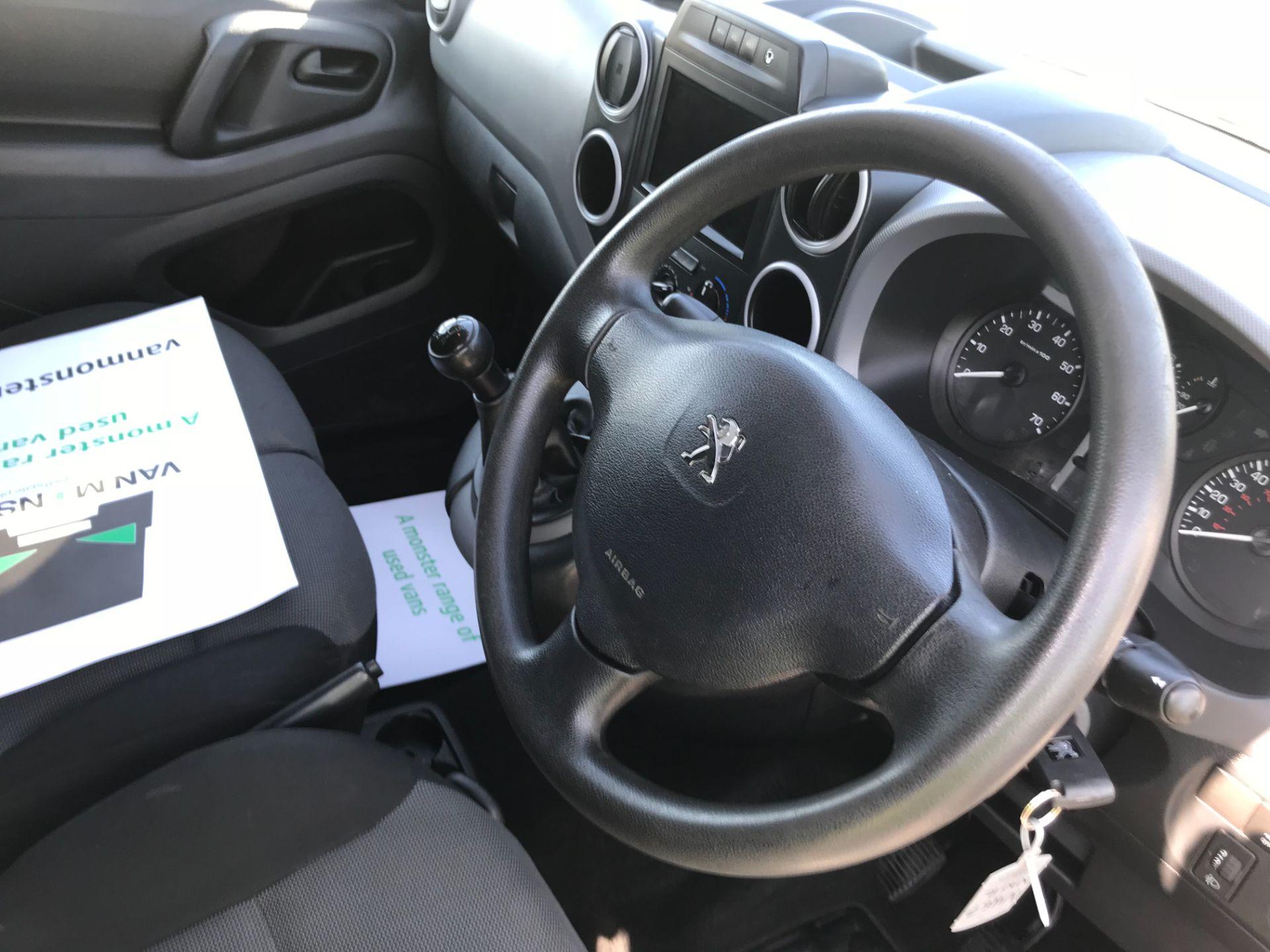 2017 Peugeot Partner 850 1.6 Bluehdi 100 Professional Van [Non Ss] EURO 6 (NU67NNR) Image 36