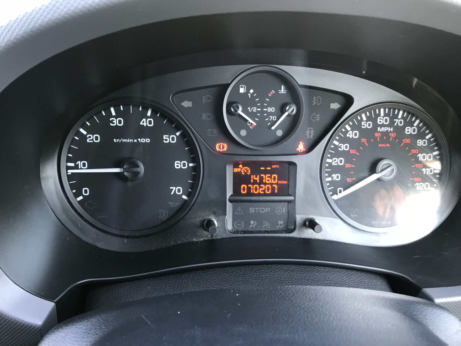 2017 Peugeot Partner 850 1.6 Bluehdi 100 Professional Van [Non Ss] EURO 6 (NU67NNR) Image 30