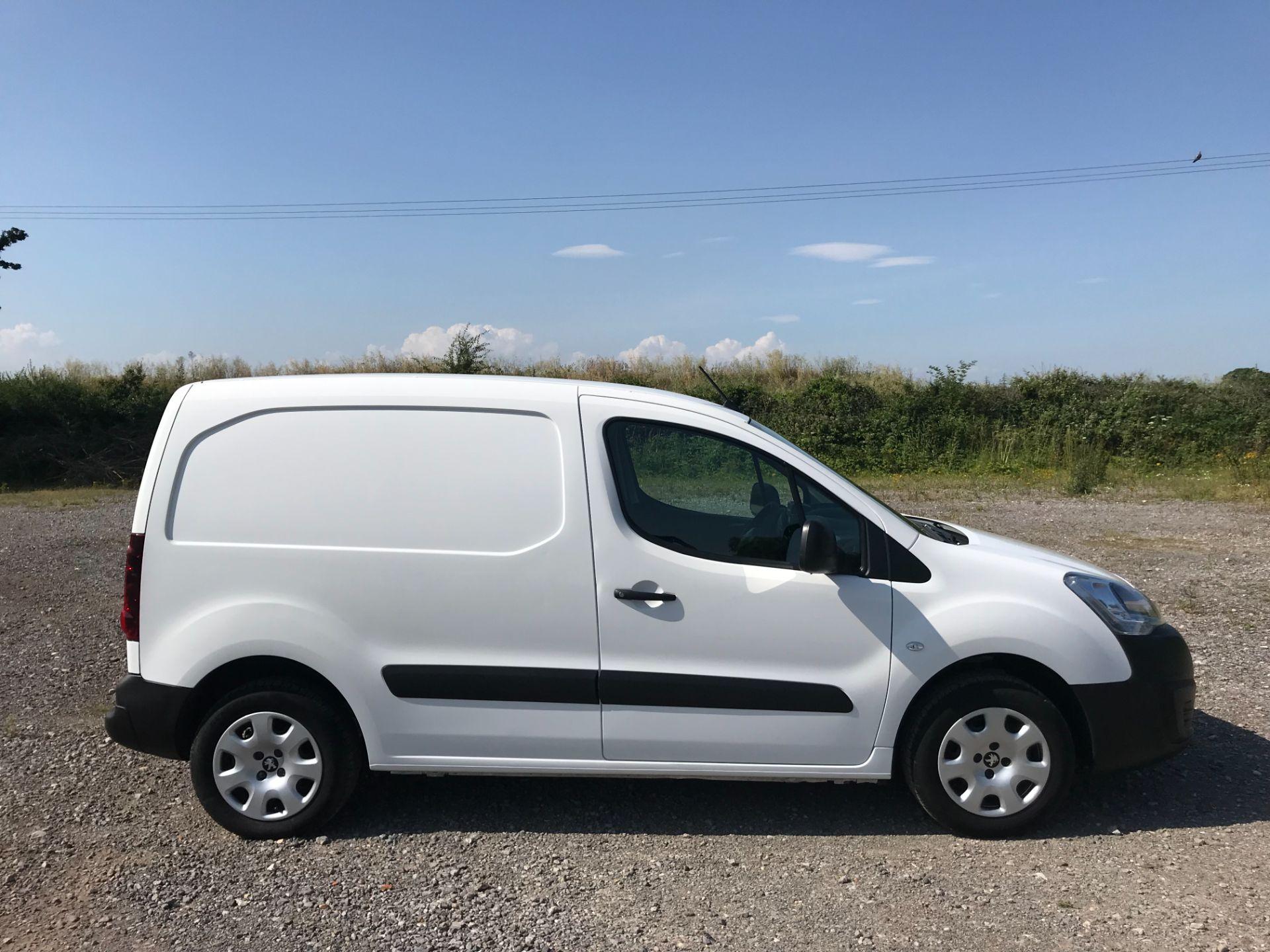 2017 Peugeot Partner 850 1.6 Bluehdi 100 Professional Van [Non Ss] EURO 6 (NU67NNR) Image 7