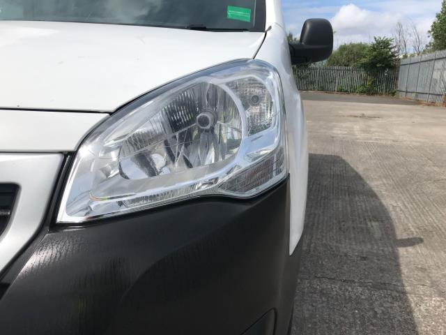 2017 Peugeot Partner L1 850 1.6BLUEHDI 100PS PROFESSIONAL EURO 6 (NU67NPJ) Image 32