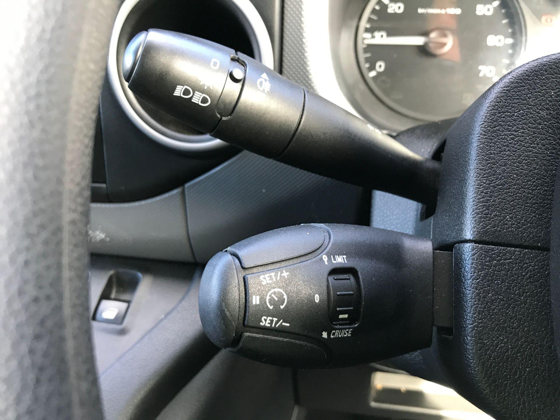 2017 Peugeot Partner L1 850 1.6BLUEHDI 100PS PROFESSIONAL EURO 6 (NU67NRV) Image 24