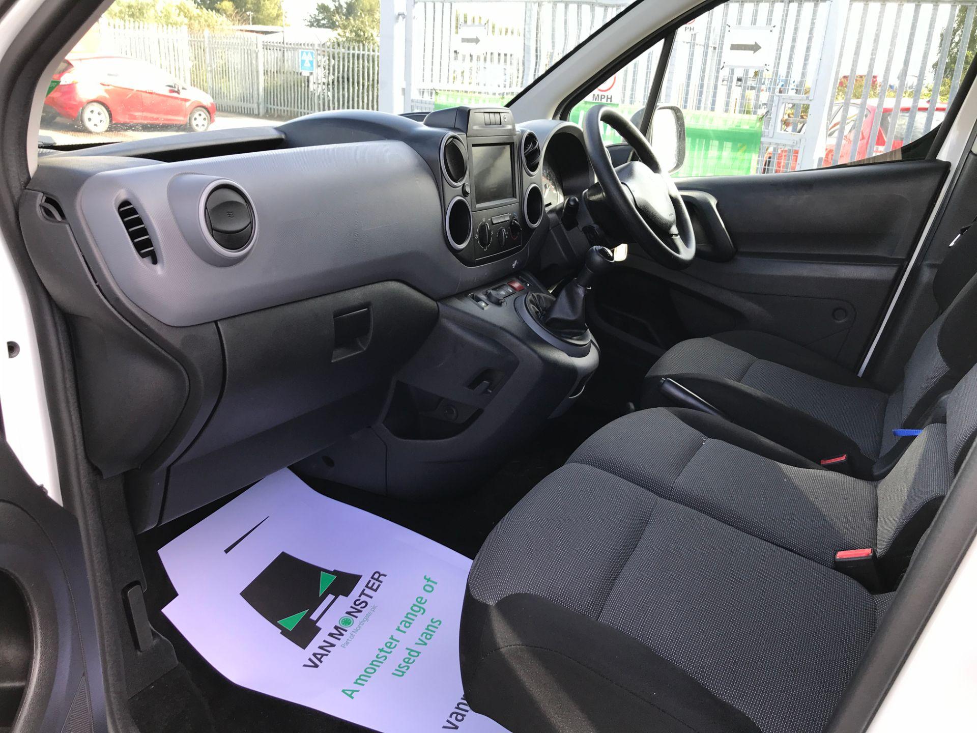 2017 Peugeot Partner L1 850 1.6BLUEHDI 100PS PROFESSIONAL EURO 6 (NU67NRV) Image 12