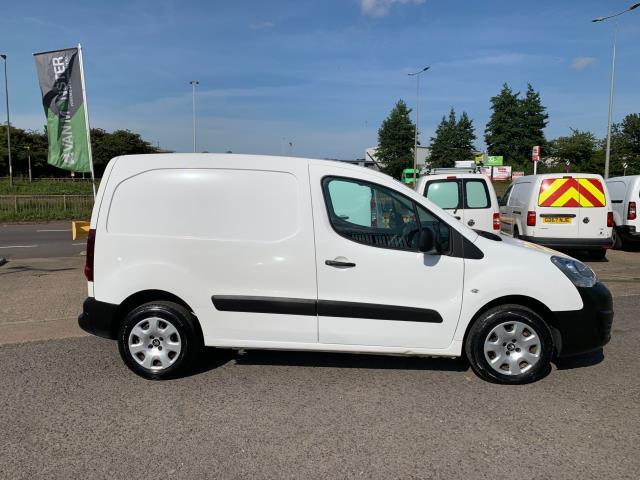 2017 Peugeot Partner 850 1.6 Bluehdi 100 Professional Van [Non Ss] (NU67NXX) Image 13