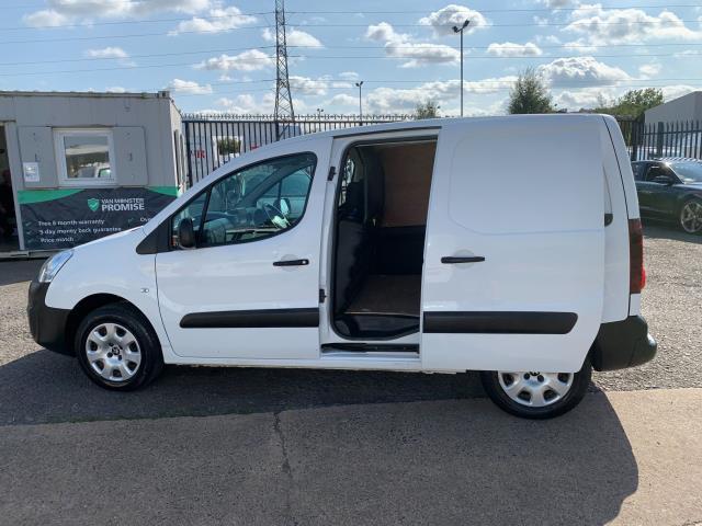 2017 Peugeot Partner 850 1.6 Bluehdi 100 Professional Van [Non Ss] (NU67NXX) Image 6