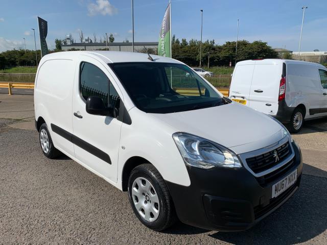 2017 Peugeot Partner 850 1.6 Bluehdi 100 Professional Van [Non Ss] (NU67NXX) Image 1