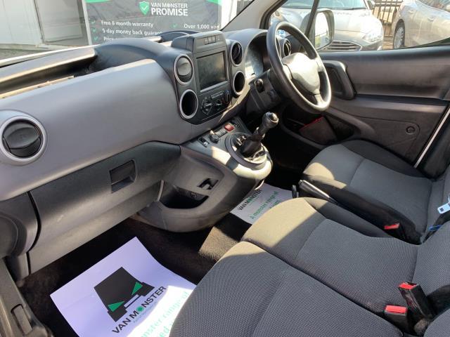 2017 Peugeot Partner 850 1.6 Bluehdi 100 Professional Van [Non Ss] (NU67NXX) Image 4
