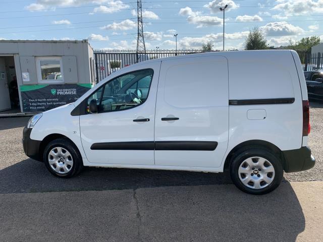 2017 Peugeot Partner 850 1.6 Bluehdi 100 Professional Van [Non Ss] (NU67NXX) Image 7